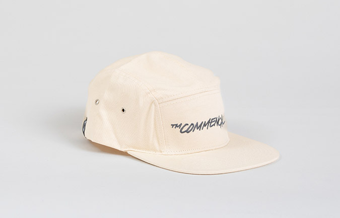 GORRA COMMENCAL FIVE PANELS CREMA